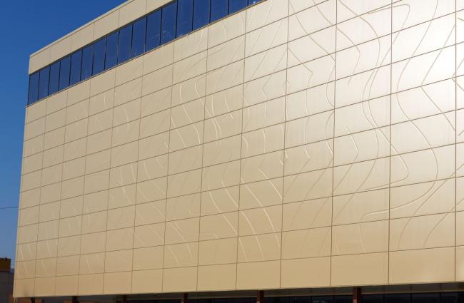 ТРЦ «Эдем» в Новосибирске. Фото: «Айкью Фасад» Фасадные системы