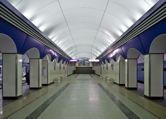 Станция метро «Комендантский проспект». Фото: Florstein via Wikimedia Commons. Лицензия CC BY-SA 3.0