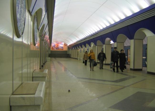Станция метро «Комендантский проспект». Фото: Andrey Volykhov via Wikimedia Commons. Лицензия  GNU Free Documentation License версии 1.2
