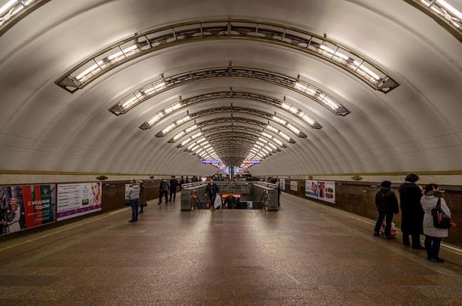 Станция метро «Садовая»