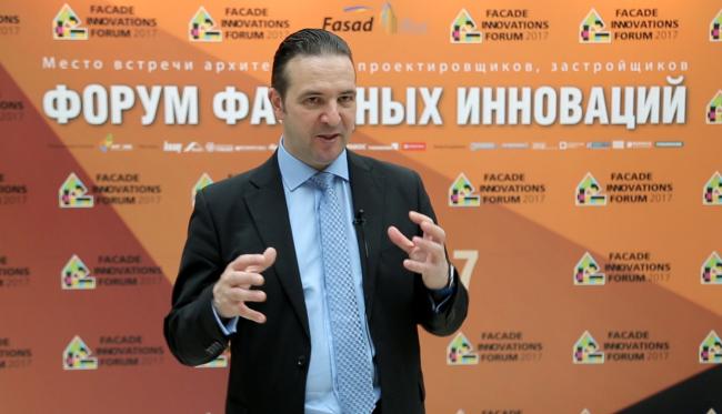 Главный архитектор АМ «Атриум» Антон Надточий, на конференции Форума фасадных инноваций 2017. Фотография предоставлена организаторами