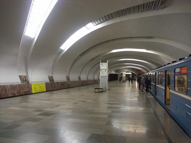 Станция метро «Уралмаш». Фото: Shesmax Wiki via Wikimedia Commons. Лицензия CC BY-SA 3.0