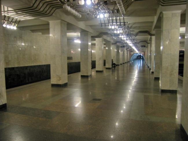 Станция метро «Машиностроителей». Фото: Kostya Wiki via Wikimedia Commons. Лицензия CC BY-SA 2.5