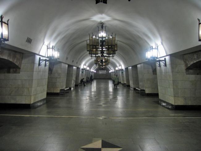 Станция метро «Уральская». Фото: Kostya Wiki via Wikimedia Commons. Лицензия CC BY-SA 2.5