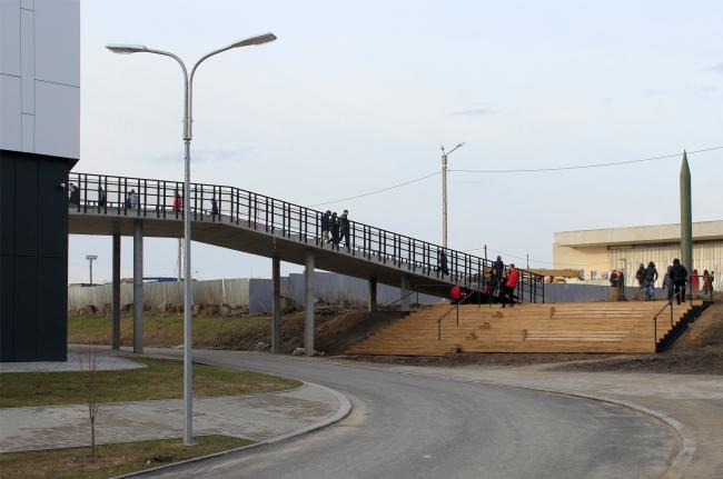 Amphitheater above the bridge. Innovation and Culture Center in Kaluga. Photograph © Julia Tarabarina