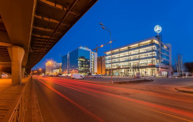 """Avangard"" car service center. Photograph © A.Gushchin"