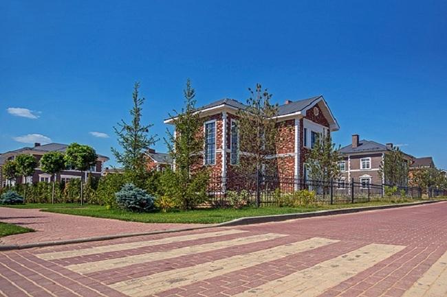 Коттеджный поселок «Европа». Фотография с сайта www.poselok-evropa.ru