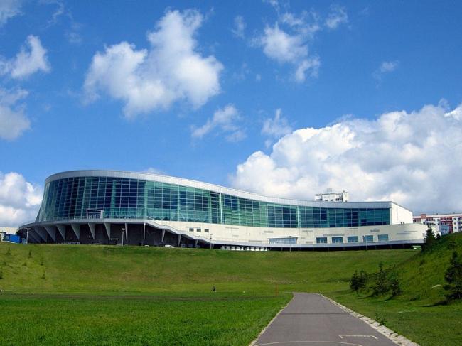 Многофункциональный комплекс «Конгресс-Холл», г. Уфа. Фото: Тара-Амингу via Wikimedia Commons. Лицензия CC0 1.0