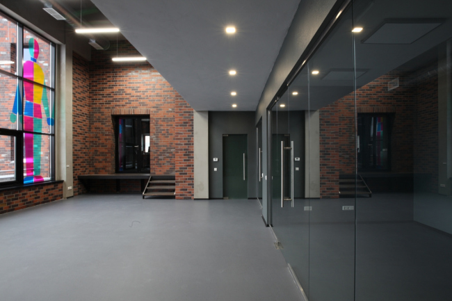Лучший офис в стиле «Лофт». Интерьер швейцарского технопарка MOBAHAUS, архитектор Алексей Телегин