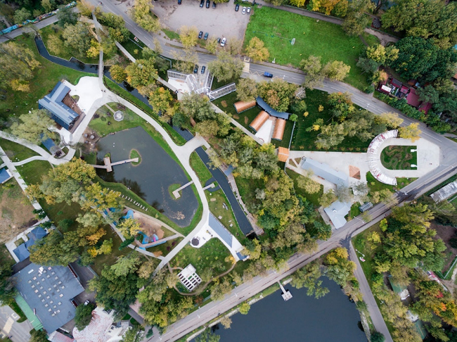 Вид на Городскую Ферму на ВДНХ с высоты птичьего полета. Фотография © Wowhaus