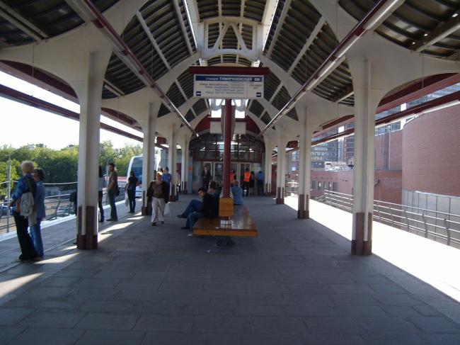 Станция монорельса «Тимирязевская». Фото: eugeny1988 via Wikimedia Commons. Лицензия CC BY-SA 3.0