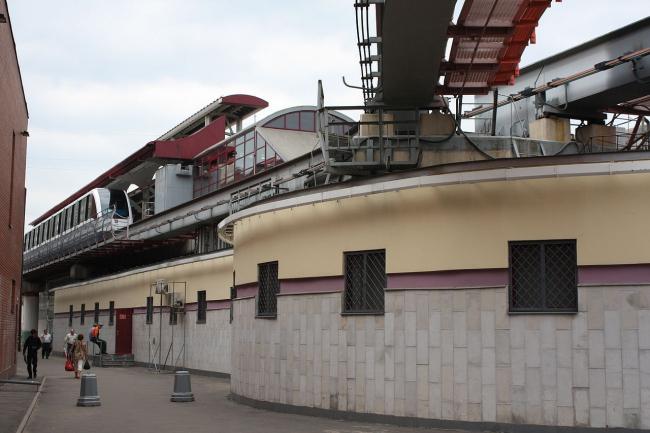 Станция монорельса «Тимирязевская». Фото: Канопус Киля via Wikimedia Commons. Лицензия CC BY-SA 3.0