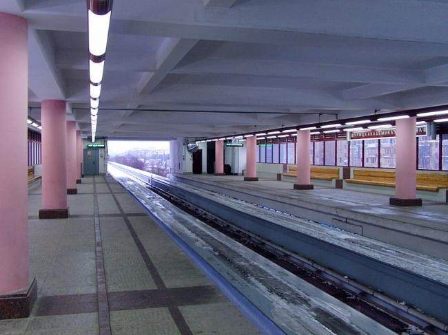 Станция монорельса «Улица Академика Королёва». Фото: Mikhail (Vokabre) Shcherbakov via Wikimedia Commons. Лицензия CC BY-SA 2.0