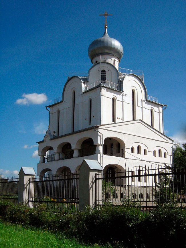 Благовещенская церковь на Пискарёвском проспекте. Фото: Lindelmann via Wikimedia Commons. Фото находится в общем доступе