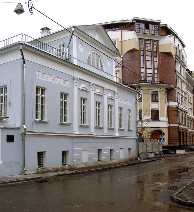 Реставрация усадьбы в 1-ом Кадашевском переулке. Фото: NVO via Wikimedia Commons. Лицензия CC BY-SA 3.0
