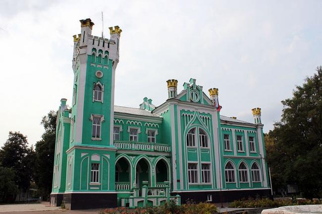 Главный дом, Усадьба Сапожкова. Фото: Алексей Гоманков via Wikimedia Commons. Лицензия CC BY-SA 4.0