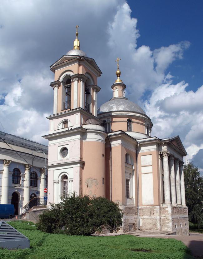 Реставрация храма Варвары Великомученицы на Варварке. Фото: NVO via Wikimedia Commons. Лицензия CC BY 3.0