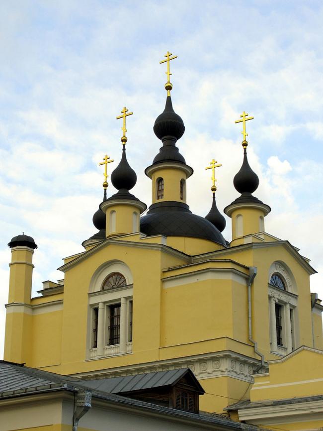 Реставрация церкви Покрова Пресвятой Богородицы в Красном селе. Фото: Lodo27 via Wikimedia Commons. Лицензия CC BY-SA 3.0