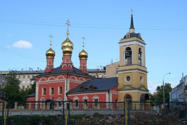 Церковь Николая Чудотворца на Щепах. Фото: A.Savin via Wikimedia Commons. Лицензия CC BY-SA 3.0