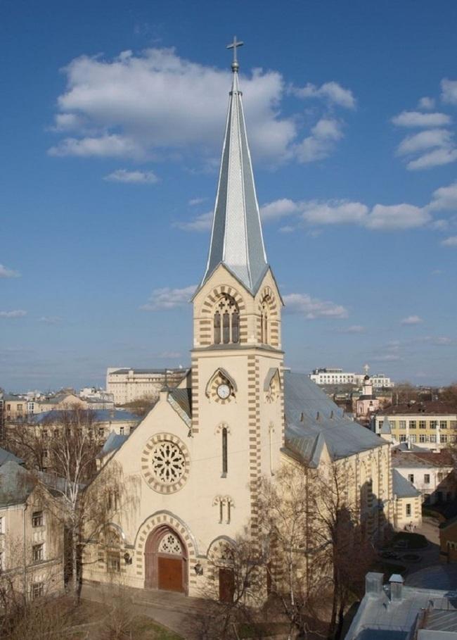 Реставрация лютеранской церкви Святых Петра и Павла в Москве. Фото: Bischof brauer via Wikimedia Commons. Лицензия CC BY-SA 3.0
