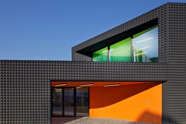 Общественно-культурный центр в Страсбурге. 2013 © Heintz-Kehr Architectes. Фото ©  Philippe Ruault