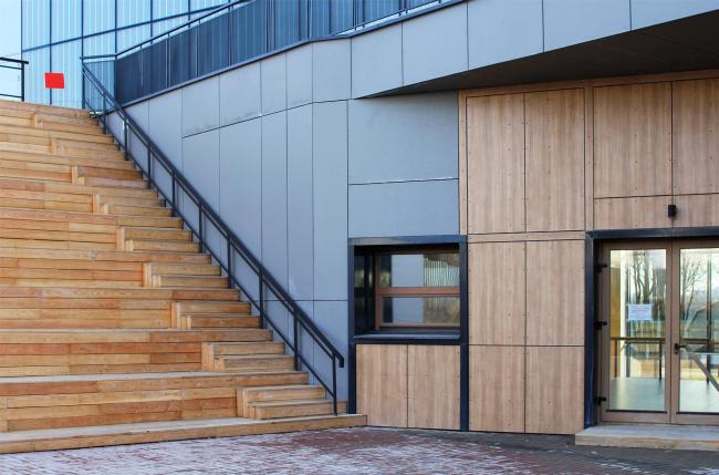 Фрагмент главного двора. Инновационный культурный центр в Калуге. Фотография © Юлия Тарабарина, Архи.ру