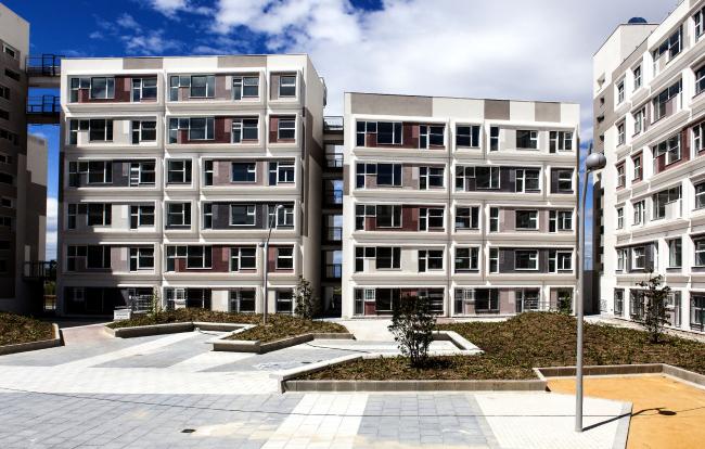 Социальное жилье по проекту EMBT в Баррахасе, Мадрид © EMBT