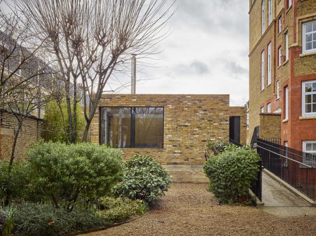 Дом Hidden House, Лондон.  Coffey Architects. Фото © Timothy Soar