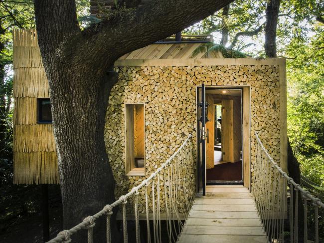 Дом Woodsman′s Treehouse, Дорсет.  Brownlie Ernst and Marks Limited. Фото © Sandy Steele