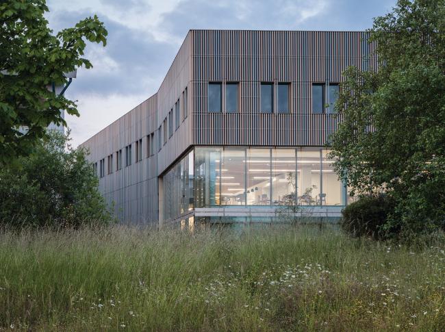 Институт сварки, Кембридж.  Eric Parry Architects. Фото © Dirk  Lindner