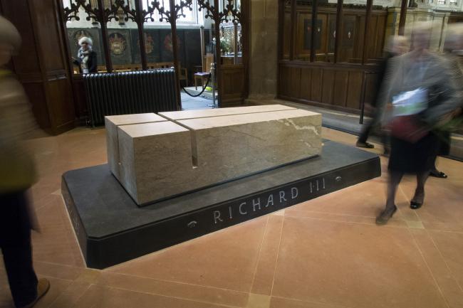 Проект «С достоинством и честью» – к перезахоронению останков Ричарда III в Лестерском соборе.  van Heyningen & Haward Architects. Фото © Peter Hanson