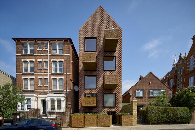 Жилой дом Barretts Grove, Лондон.  Amin Taha + Groupwork. Фото © Tim Soar