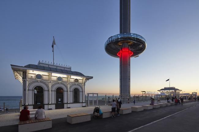 Смотровая башня British Airways i360, Брайтон и Хоув.  Marks Barfield Architects. Фото © Paul  Raftery