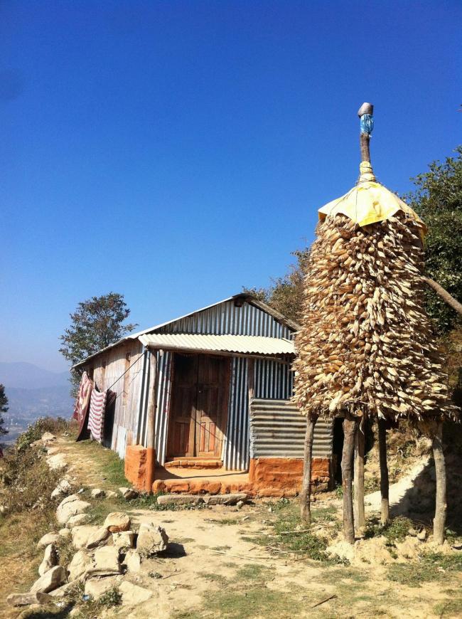 Жилой дом в сельской местности недалеко от Чангу-Нароян. Фото © Екатерина Михайлова