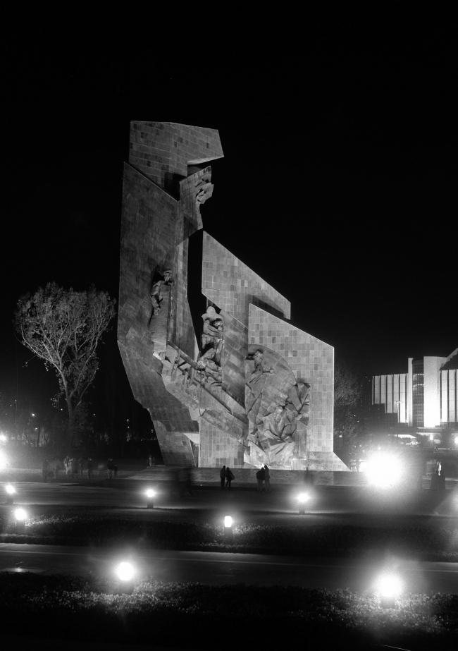 Памятник «1300 лет Болгарии» в Софии. Фото советского периода © БТА