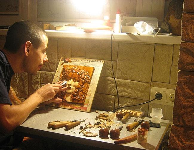 Сергей Пронин за работой над «Майской королевой»