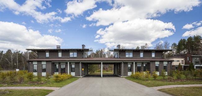 "Linked House #1. Rent-out settlement ""Daryino-Uspenskoe"" ©  Roman Leonidov architectural bureau"