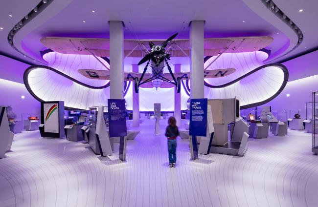 Зал математики (Галерея компании Winton) в Музее науки, Лондон. Zaha Hadid Architects. Фото © Luke Hayes