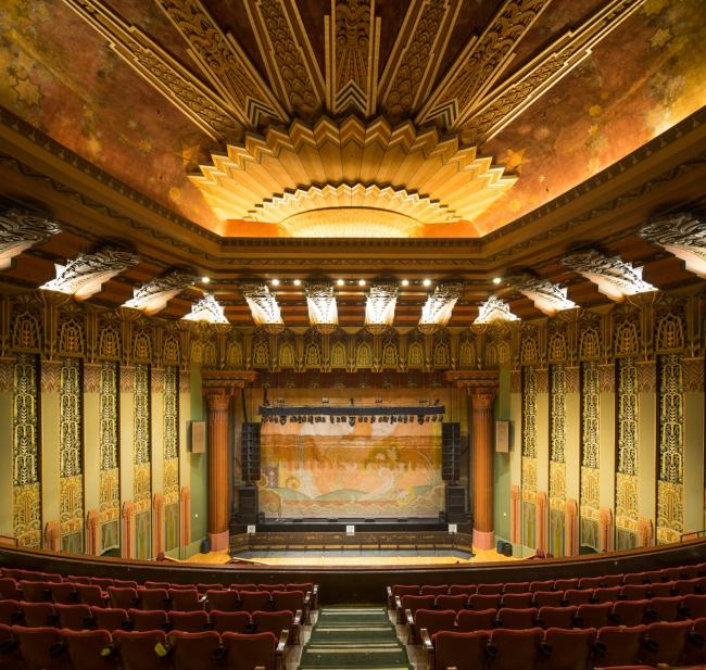 Wiltern Theatre, Уилшир, 1931 (арх. Stiles O. Clements, интерьер G. Albert Lansburgh). Фотография cgmfindings