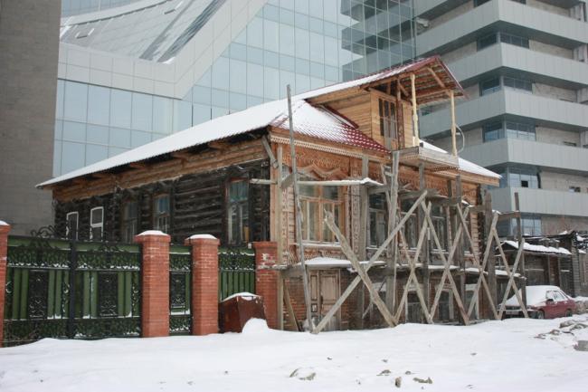 Реставрация дома, в котором жил Аркадий Гайдар. В процессе реставрации ©   ФГБОУ ВПО «Уральская государственная архитектурно-художественная академия»
