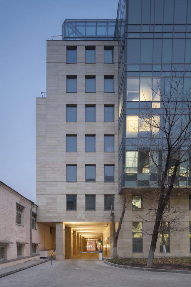 Московский театральный центр «Вишневый Сад». Задний фасад. Фотография © Д.С. Чебаненко
