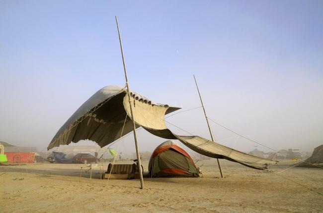 Сооружение на фестивале Burning Man © Philippe Glade