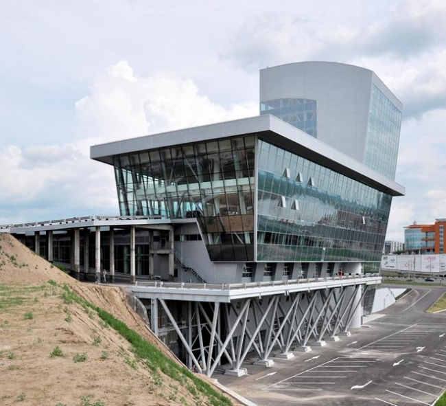 Автоцентр LEXUS © Архитектон