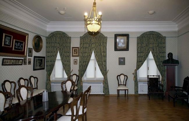 Дом, в котором жил А.И. Южин (Сумбатов). Интерьер  © ТИАМАТ-проект