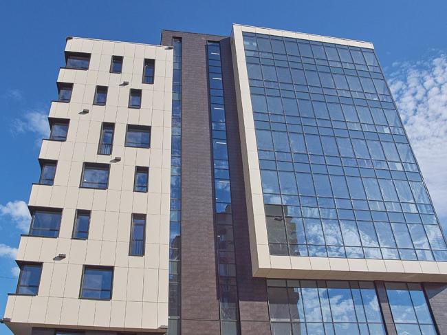 Офисное здание на ул. Колпакова © архитекторы В.Бакеев, С.Каталевская
