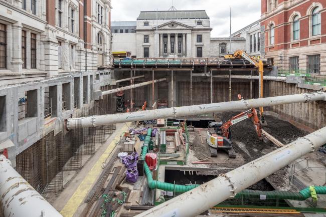Реконструкция двора Музея Виктории и Альберта. Процесс строительства © Stephen Citrone