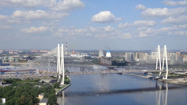 Большой Обуховский мост. Фото: Русские идут! via Wikimedia Commons. Лицензия  CC BY-SA 3.0