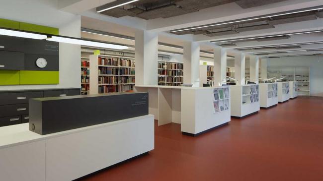 Здание библиотеки Баухаус. Фото предоставлено Forbo