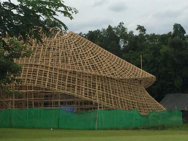 Бамбуковый спортзал Международной школы Паньяден © Markus Roselieb (CLA)