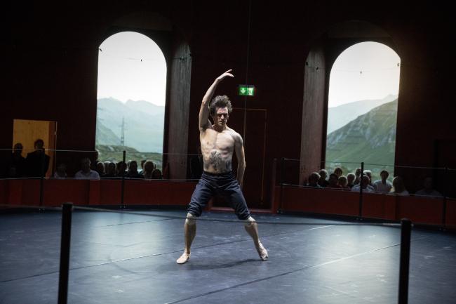 Сергей Полунин в постановке Андрея Кайдановского в здании Juliertheater  © Origen Festival Cultural